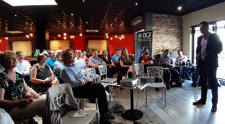 L'audience captivée par la conférence de Franck Viscuso