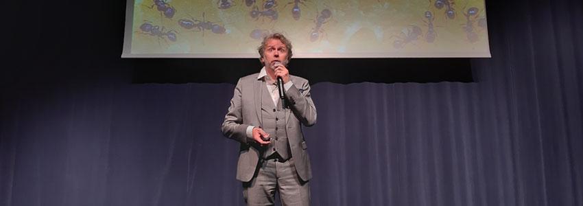 Jean-François Hadida pendant sa conférence chez les DCF Orléans